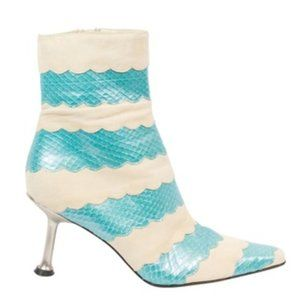 Shoes - Vintage White and Blue Leather Booties